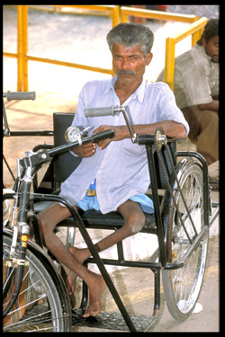 Disability Dehli  India November 2002Copyright : WHO/P.Virot